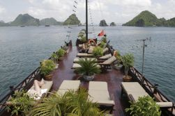 Hanoi - Halong Bay - a night cruise on Ha Long bay