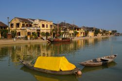 Hoi An - Explore villages by bicycle and boat