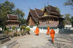 Luang Phrabang - Fly to Vientiane