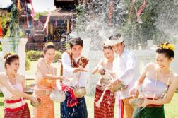 BUNPIMAY FESTIVAL IN LAOS 5 DAYS